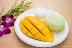 Thai dessert, Ripe mango and sticky rice with coconut milk Royalty Free Stock Image