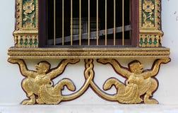 thai fönster för tempel Arkivbilder