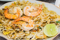 Thai food Pad thai is fried with shrimp Royalty Free Stock Photography