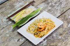 Thai food Pad thai is fried with shrimp Royalty Free Stock Images