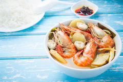 Thai food, River prawn spicy soup or tom yum goong Stock Photography