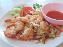 Thai food. Shrimp with garlic pepper (Goong tod kra thiam phrik thai Royalty Free Stock Image