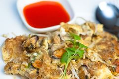 Thai fried mussels with egg Royalty Free Stock Images