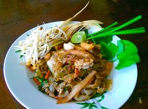 Thai fried noodle with seafood. Royalty Free Stock Photos