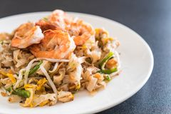 Thai Fried Noodles Pad Thai with shrimps Royalty Free Stock Images