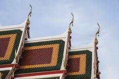 thai glass tempel för härliga drakar Royaltyfri Bild