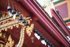 thai glass tempel för härliga drakar Arkivbild
