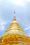 thai guld- pagoda Arkivfoto