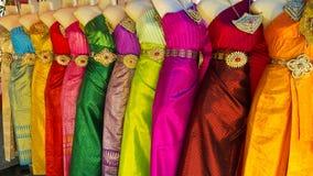 thai klassiska färgrika dräkter Arkivbilder