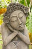 thai kvinna för trädgårds- skulptur Arkivbilder