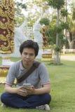 thai man på den thai templet Royaltyfri Foto