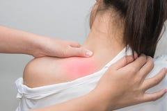 thai massagehälsovårdtillvägagångssätt royaltyfri foto