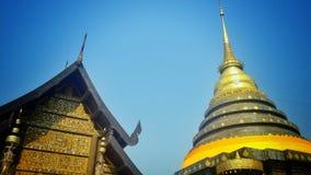 thai pagodastil Arkivfoto