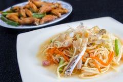 Thai spicy papaya salad Royalty Free Stock Photos