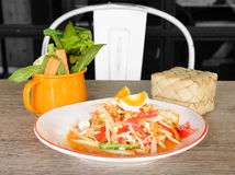 Thai spicy papaya salad Royalty Free Stock Images