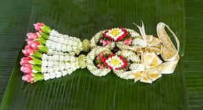 Thai stil för blommagirland Arkivbild