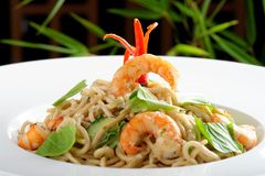 Thai style rice noodles with shrimps Stock Images