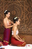 thai sund massage royaltyfri fotografi
