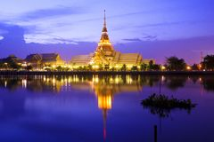 thai tample reflection Royalty Free Stock Photography
