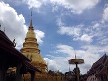 thai tempel i lumpoon Arkivfoto