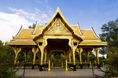 Thai Temple. A golden Thai temple with sky Royalty Free Stock Photography