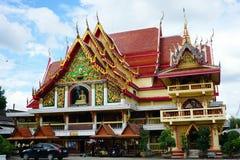 Thai temple with blue sky Royalty Free Stock Photos