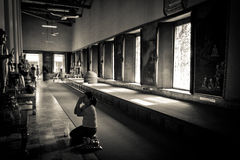 Thai Temple Devotee prays Bangkok Thailand Royalty Free Stock Image