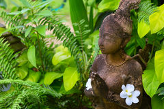 Thai trädgårds- staty Arkivfoton