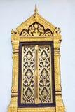 thai traditionellt fönster för stiltempel Arkivfoto