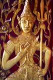 thai traditionellt för kyrklig dörrstil Arkivbilder