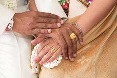 Thai wedding couple holding hand Royalty Free Stock Images