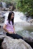 Thai woman with Mae Ya waterfall, Chiangmai Thailand Royalty Free Stock Photos