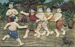 Thailändische Art handcraft Spiele von Thailand-Kultur auf Wand lizenzfreies stockbild