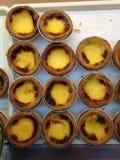 THAILÄNDISCHE Bäckerei mögen Torten- oder Eitörtchen mit gelber Creme Lizenzfreie Stockfotos