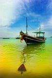 Thailändische Barkasse im Wasser Stockbild