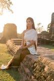 Thailändische Dame in Weinlese ursprünglicher Thailand-Kleidung Lizenzfreie Stockbilder