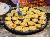 Thailändische feinschmeckerische Meeresfrüchte Serabi in einem heißen Ofen Lizenzfreies Stockfoto