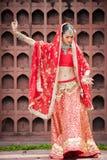 Thailändische Frauen führen Tänze von Indien in den historischen Kostümen durch Lizenzfreies Stockfoto