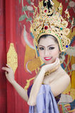 Thailändische Frauen im nationalen Kostüm Stockbilder