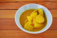Thailändische gelbe Currylebensmittel- und -holzbeschaffenheit Lizenzfreies Stockfoto