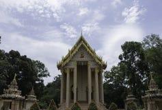 Thailändische historische Gebäude im thailändischen Tempel Lizenzfreie Stockfotos