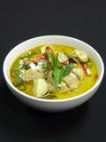 Thailändische Küche, gaeng kiaw waen gai Stockfotos