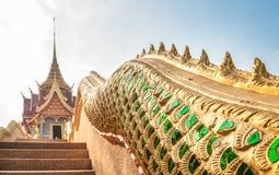 Thailändische Kunst am Tempel Stockbild