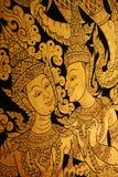 Thailändische Lackkunst auf Wand am Tempel Stockbilder