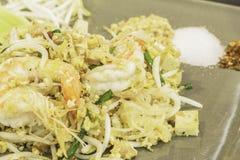Thailändische Lebensmittel Auflage thailändisch, Aufruhrfischrogennudeln in padthai Art Lizenzfreie Stockfotos