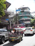 THAILÄNDISCHE Leute beschäftigten Geschäfts Junis 5,2018 auf alter Stadt teilen BANGKOK in Zonen auf Stockfotografie