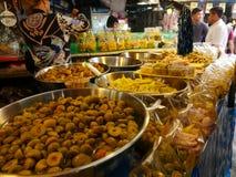 Thailändische lokale Marktobstkonserven lizenzfreie stockfotos