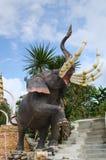 Thailändische Märchen-Elefant-Statue stockfotos