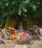 Thailändische Mönche in Phantao-Tempel in Songkran-Festival Stockbild