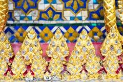 Thailändische Mosaikmuster-Kunstwand, Beschaffenheitshintergrund Stockfotografie